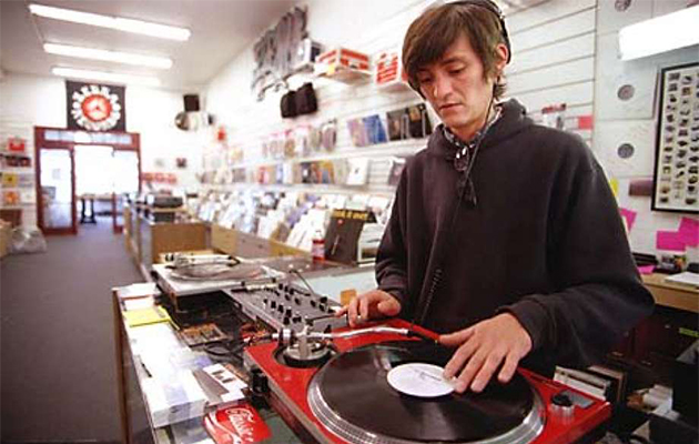 scratching records vinyl collector